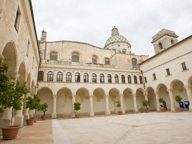 chiostri_rettorato-Lecce